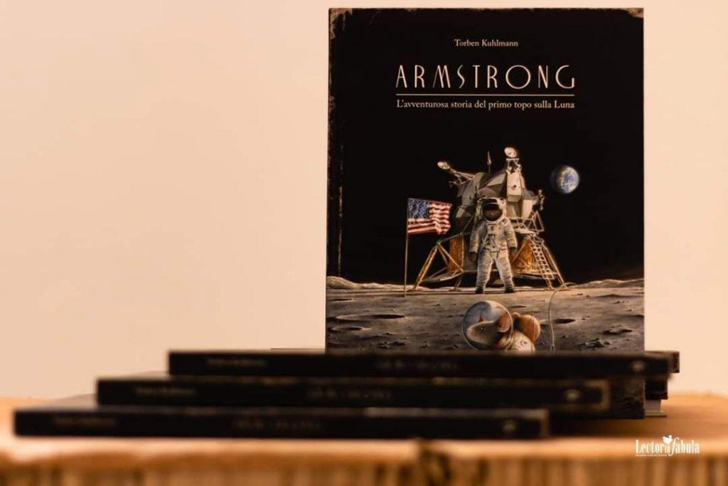 """Copertina libro """"Armstrong"""" Orecchio Acerbo utilizzato per Astrofarm"""